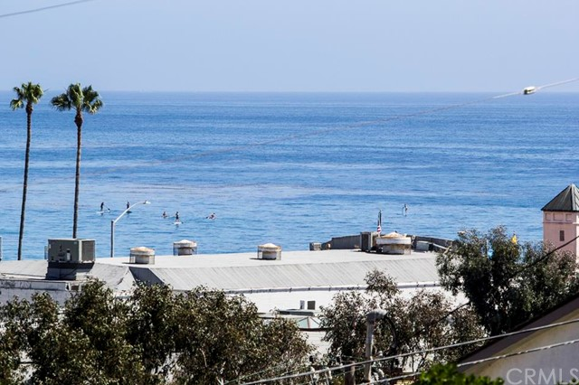 174 Cliff Drive Unit F Laguna Beach, CA 92651 - MLS #: LG17229030