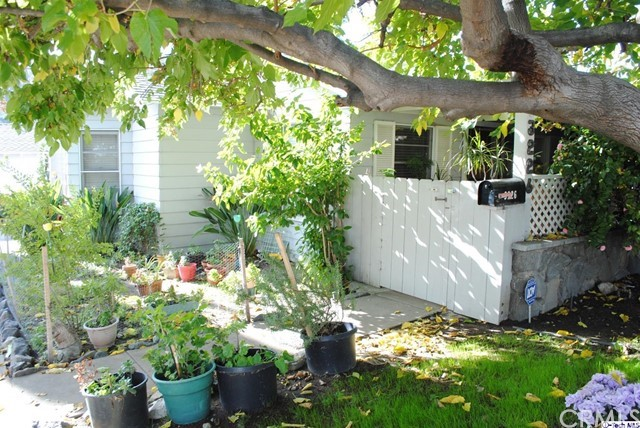 Residential Income for Sale at 3226 Montrose Avenue 3226 Montrose Avenue Glendale, California 91214 United States