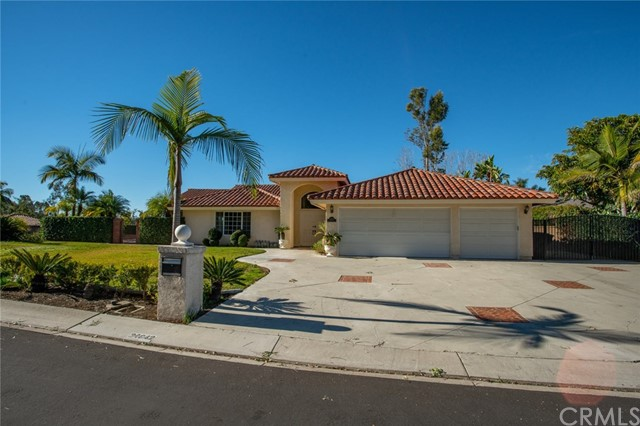 24842 Red Lodge Place, Laguna Hills CA: http://media.crmls.org/medias/2e320e42-cc29-492e-860f-a7d438d21db9.jpg