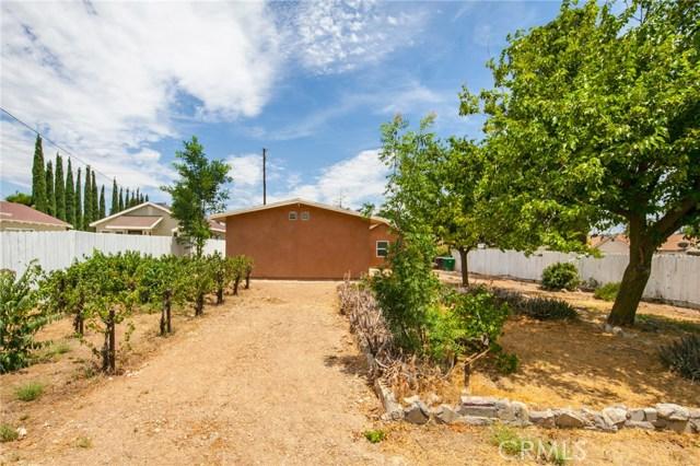 1025 BEAUMONT Avenue, Beaumont CA: http://media.crmls.org/medias/2e35e686-13cf-45c4-bb19-d763f36d8f4b.jpg