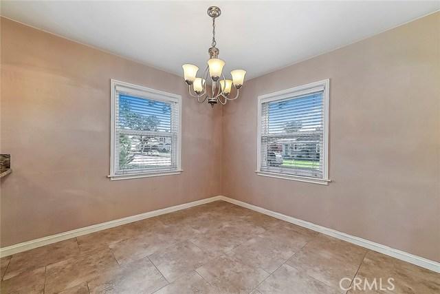 3753 Petaluma Avenue, Long Beach CA: http://media.crmls.org/medias/2e3dbe6c-aa78-44d7-83ce-5873e8b8ef50.jpg
