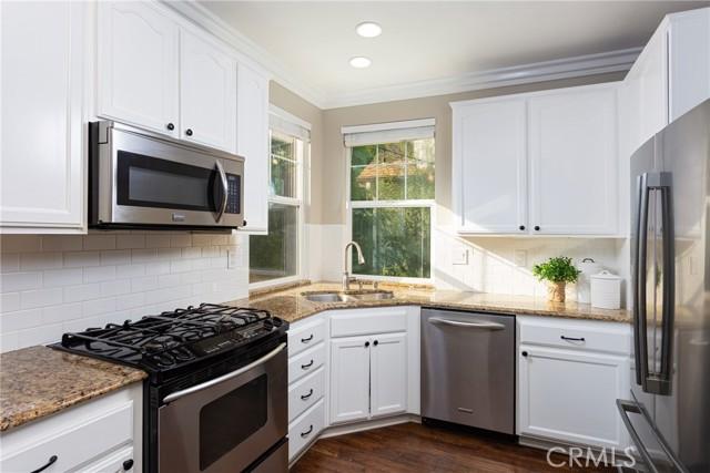 45 Bainbridge Avenue, Ladera Ranch CA: http://media.crmls.org/medias/2e449cbb-e0cd-4563-9121-4af74fc15a0d.jpg