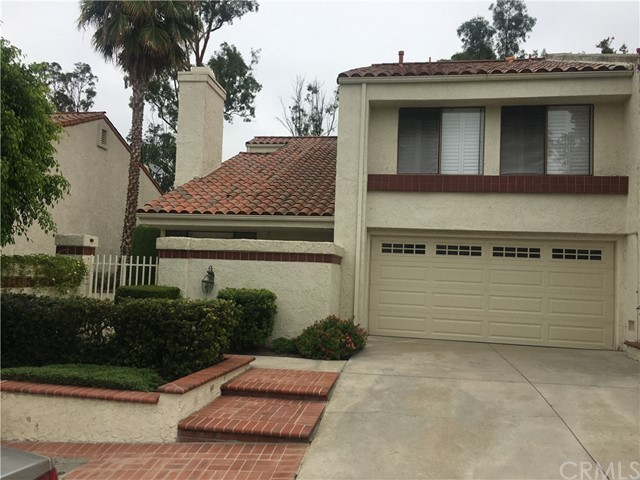 24675 Mendocino Court, Laguna Hills CA: http://media.crmls.org/medias/2e4ca887-4e1f-4fe7-b075-aa433fe8645e.jpg