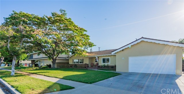 2223 S Della Ln, Anaheim, CA 92802 Photo 3