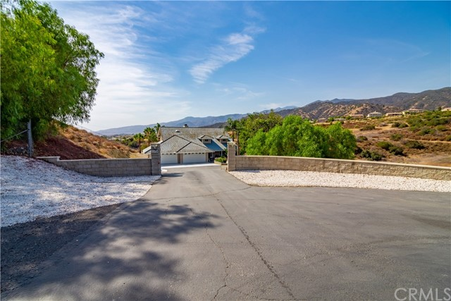 Photo of 21920 Calle Del Lirio Street, Corona, CA 92883