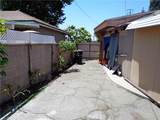3944 N Frijo Avenue, Covina CA: http://media.crmls.org/medias/2e6b34fe-2a79-4d43-95b2-739699623624.jpg