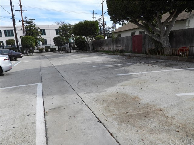 6611 S San Pedro St, Los Angeles, CA 90003 Photo 11