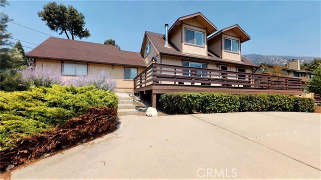 16425 Huron Drive, Pine Mountain Club CA: http://media.crmls.org/medias/2e722028-0a24-4d30-8573-b44133bd156a.jpg