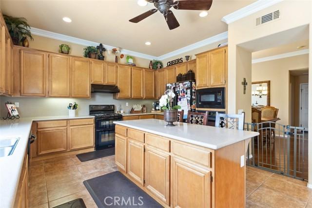 19220 Buckboard Lane, Riverside CA: http://media.crmls.org/medias/2e743657-1ba3-406c-9596-7f35bd5e176a.jpg
