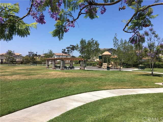 17241 Oak Street, Fountain Valley CA: http://media.crmls.org/medias/2e869ed2-54d1-4ce6-8028-a331bd6504d1.jpg