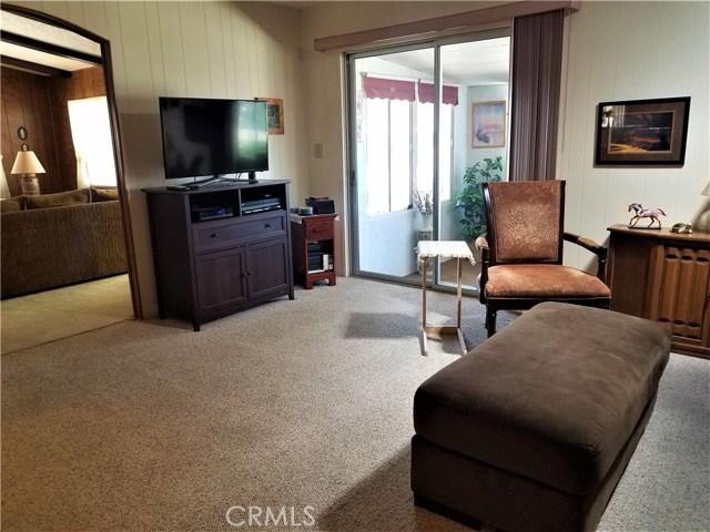 7501 Palm, Yucca Valley CA: http://media.crmls.org/medias/2e8d328d-44a4-4d3b-a6bf-bba449a04b0f.jpg
