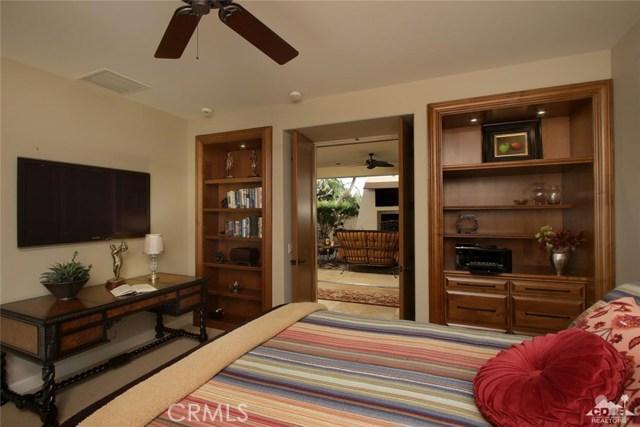78130 Coral Lane, La Quinta CA: http://media.crmls.org/medias/2e8db811-f8f9-4486-a014-597651a63c72.jpg