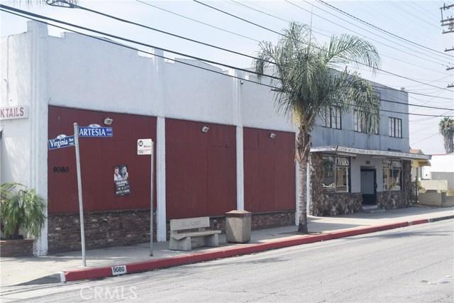 Частный односемейный дом для того Продажа на 9070 Artesia Boulevard 9070 Artesia Boulevard Bellflower, Калифорния 90706 Соединенные Штаты