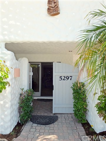 5297 Appian Way, Long Beach CA: http://media.crmls.org/medias/2e983c23-e280-4d11-ac40-db8d942d727c.jpg
