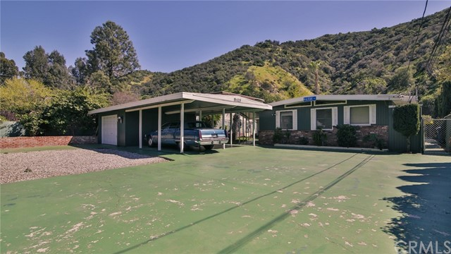 9418 La Tuna Canyon Road, Sun Valley, CA 91352