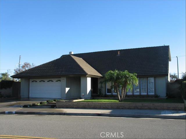 Single Family Home for Sale at 9952 Kite St Huntington Beach, California 92646 United States