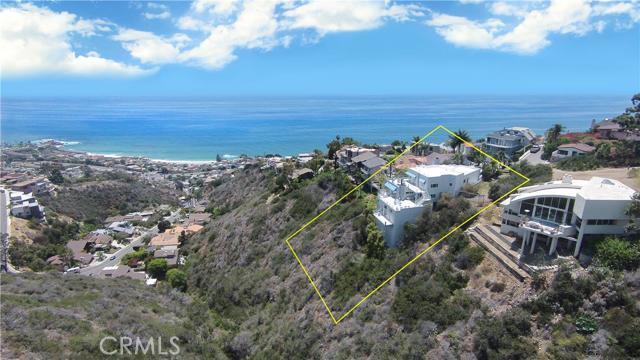 Single Family Home for Sale at 669 Fontana St Laguna Beach, California 92651 United States
