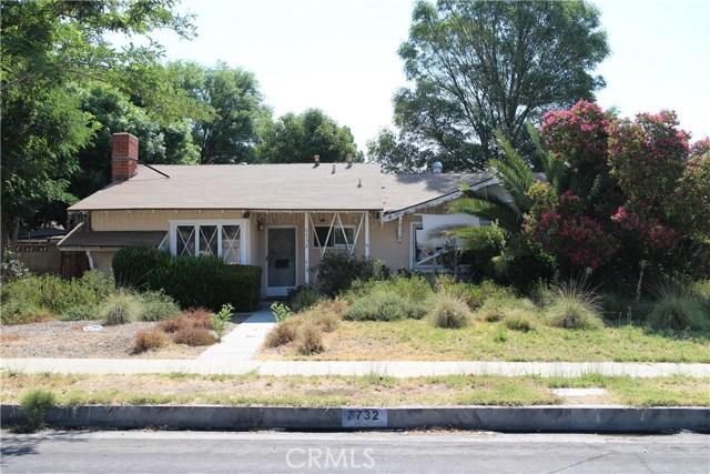 7732 Shoup Avenue  Canoga Park CA 91304