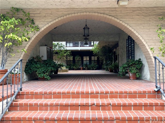916 Silver Spur Road, Rolling Hills Estates CA: http://media.crmls.org/medias/2ec6928f-a11a-444d-9661-16bad53e9136.jpg