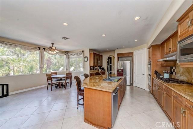 685 Noble Rd., Simi Valley CA: http://media.crmls.org/medias/2ed3c443-fcca-4b21-895d-b630987ab109.jpg