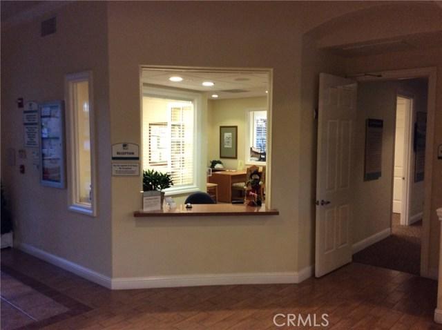 15723 Parkhouse Drive, Fontana CA: http://media.crmls.org/medias/2edd2a0e-36f8-4f24-968b-3bd5c91b10ce.jpg