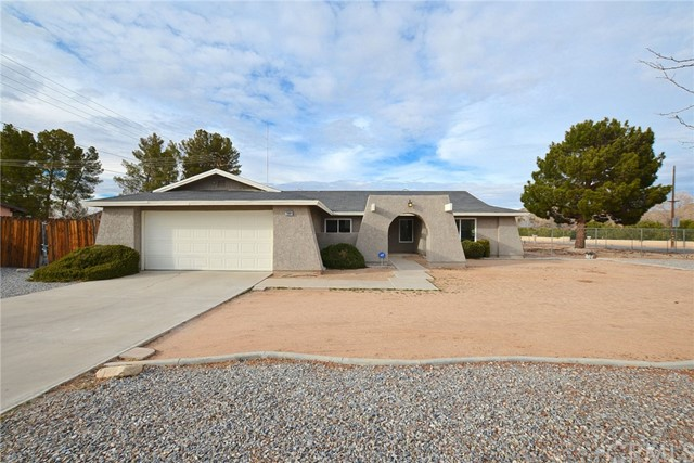 20084 Red Feather Road, Apple Valley, CA, 92307
