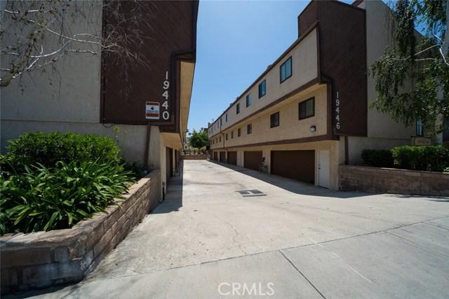 19446 Wyandotte Street, Reseda CA: http://media.crmls.org/medias/2eec243e-1c23-4a63-b3b2-928c57e88754.jpg