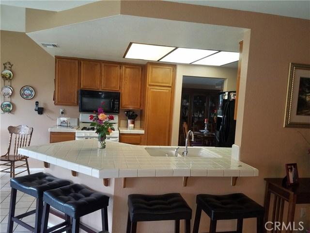 13546 Cambridge Place, Chino CA: http://media.crmls.org/medias/2efa56bf-908c-4c0c-b7a8-555a69dd9786.jpg