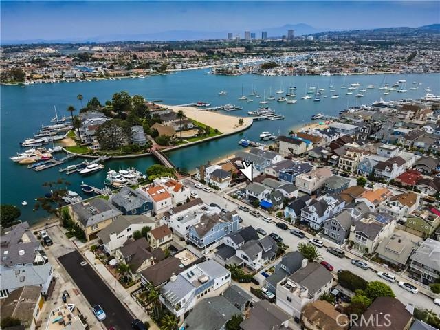 326 Island Avenue, Newport Beach, California 92661, 5 Bedrooms Bedrooms, ,2 BathroomsBathrooms,Residential Purchase,For Sale,Island,NP21151900