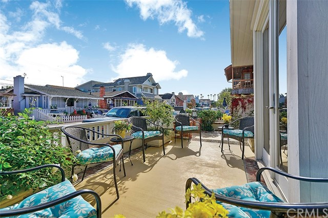 319 Apolena Avenue Newport Beach, CA 92662 - MLS #: NP17271141