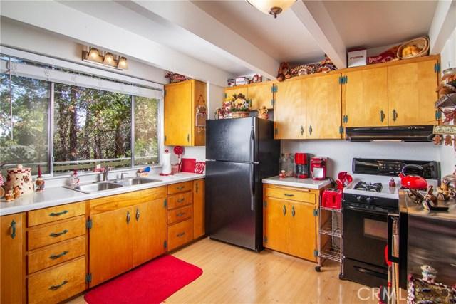 29036 Alder Terrace, Cedar Glen CA: http://media.crmls.org/medias/2f06f349-b73f-4487-87ef-c0e47d93b932.jpg