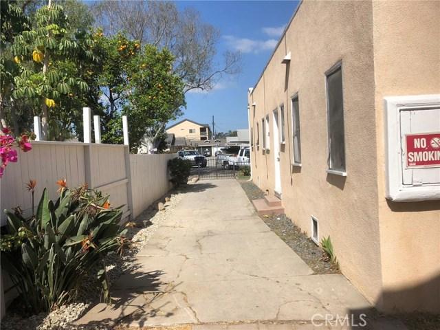 1628 N Stanton Place, Long Beach CA: http://media.crmls.org/medias/2f2e317e-ffd6-4ff9-9bd8-4c7f8457a370.jpg