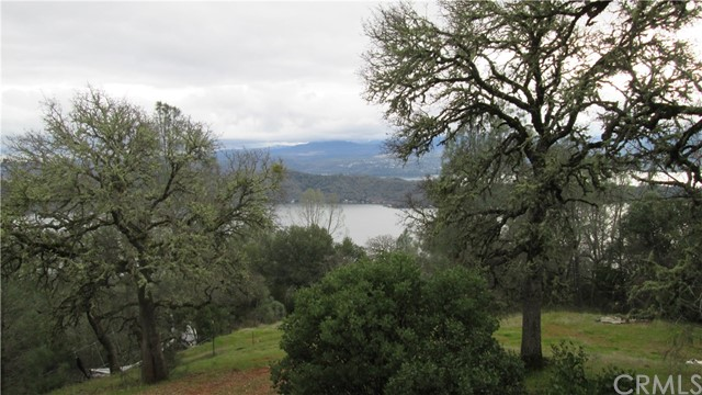 11651 Cerrito Drive, Clearlake Oaks CA: http://media.crmls.org/medias/2f2ec192-8b16-4406-bf22-72b58c30f463.jpg