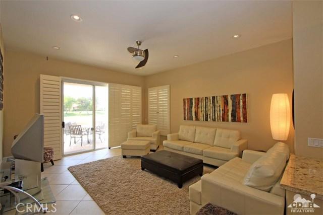 75 Augusta Drive, Rancho Mirage CA: http://media.crmls.org/medias/2f36e96d-f267-4309-b083-d04ac7bd86c3.jpg