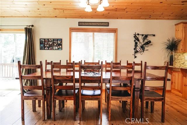 471 Woodside Drive, Big Bear CA: http://media.crmls.org/medias/2f389b1d-24aa-494c-99dd-b977a374dc39.jpg