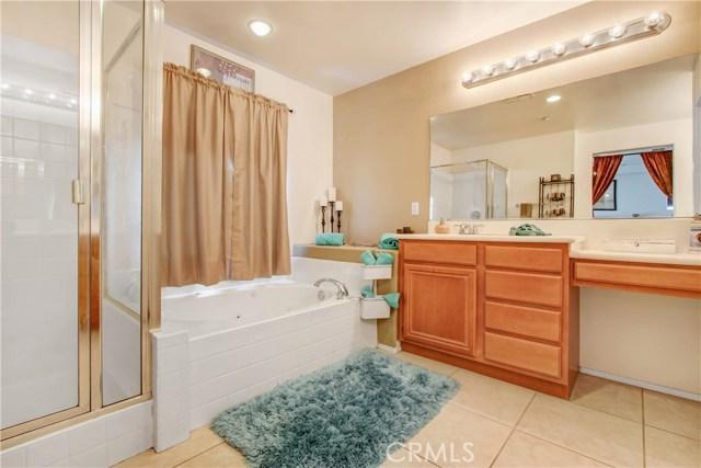 7051 Waymouth Court, Rancho Cucamonga CA: http://media.crmls.org/medias/2f39a525-da2c-456c-aa9e-db9c393d6ea4.jpg