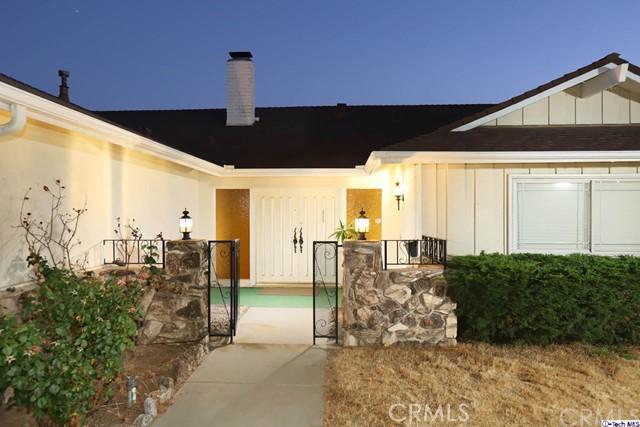 17622 Arvida Drive, Granada Hills CA: http://media.crmls.org/medias/2f3a49e4-98ae-4102-a6e3-b21ac432d2dc.jpg