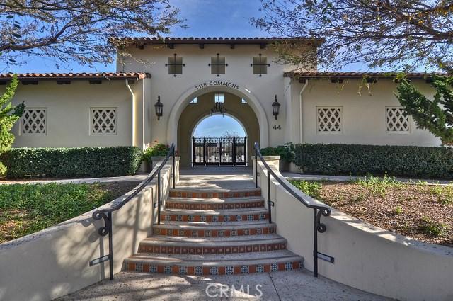 55 Canopy, Irvine CA: http://media.crmls.org/medias/2f3b625b-6951-4bd0-8599-e92ec7b093c0.jpg