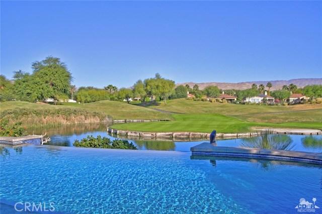 104 Loch Lomond Road, Rancho Mirage CA: http://media.crmls.org/medias/2f4031cd-f056-4656-9a0e-b94c27b67d62.jpg