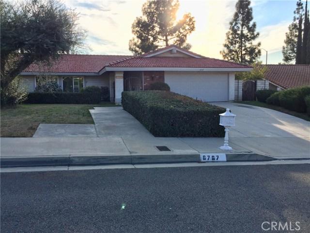 6767 Rycroft Drive, Riverside CA: http://media.crmls.org/medias/2f4ad85f-a7e1-47b6-992f-7452a9425e0b.jpg