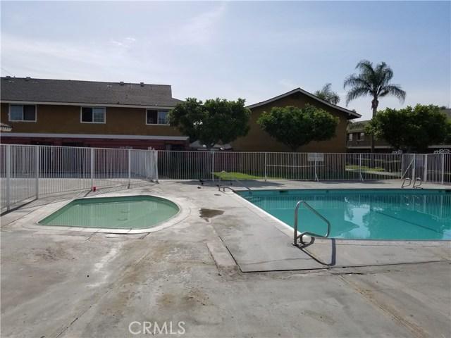 624 S Sullivan Street, Santa Ana CA: http://media.crmls.org/medias/2f5ef4b9-9bae-4174-b78b-c45cf5d97925.jpg