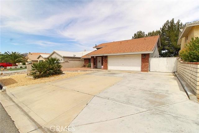 13385 Alta Vista Drive, Victorville CA: http://media.crmls.org/medias/2f66088b-ca0f-4311-b820-d692cbf71540.jpg