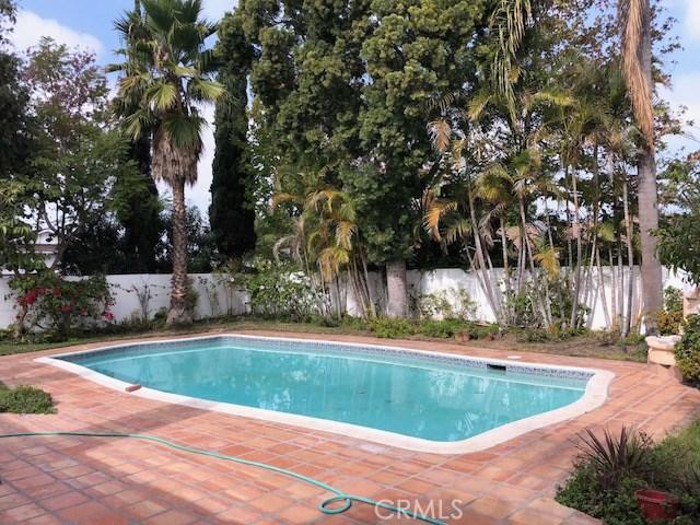 900 Chestnut Place, Newport Beach CA: http://media.crmls.org/medias/2f72e232-b8d9-4e69-9694-4cb27062f21d.jpg