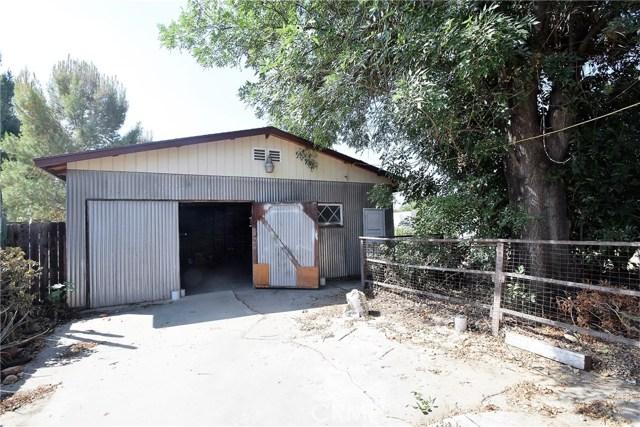 7354 Garden Street, Riverside CA: http://media.crmls.org/medias/2f74b8fe-1a40-476e-9c95-fa8bc5f38110.jpg