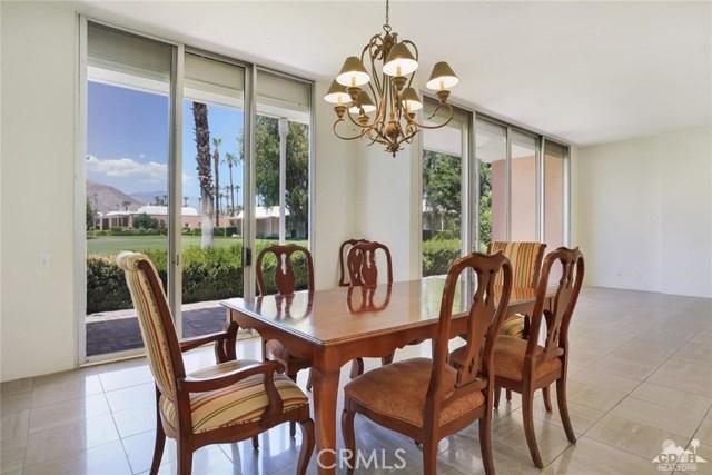 47043 Arcadia Lane, Palm Desert CA: http://media.crmls.org/medias/2f751d39-8b25-4f92-a35c-52f40a8bfaa3.jpg
