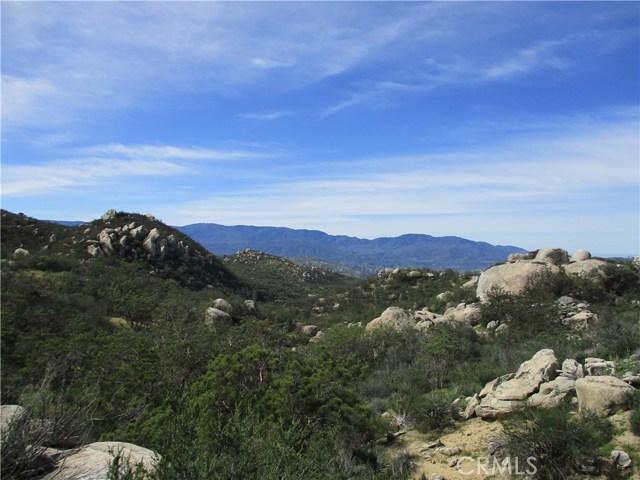 991 Crazy Horse Canyon Road, Aguanga CA: http://media.crmls.org/medias/2f8d1ef9-7066-4886-947d-0e6e8dc1e356.jpg