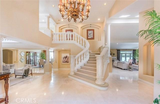واحد منزل الأسرة للـ Sale في 160 S Lakeview Avenue 160 S Lakeview Avenue Anaheim Hills, California 92807 United States