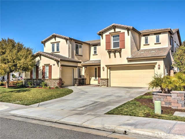 Property for sale at 29290 Hartford Drive, Menifee,  CA 92584