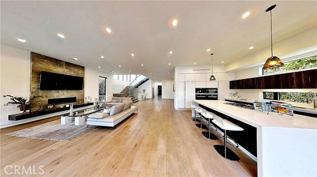 607 N Curson Avenue, Los Angeles CA: http://media.crmls.org/medias/2fa9c925-3777-4edf-b8bb-727228f9a268.jpg