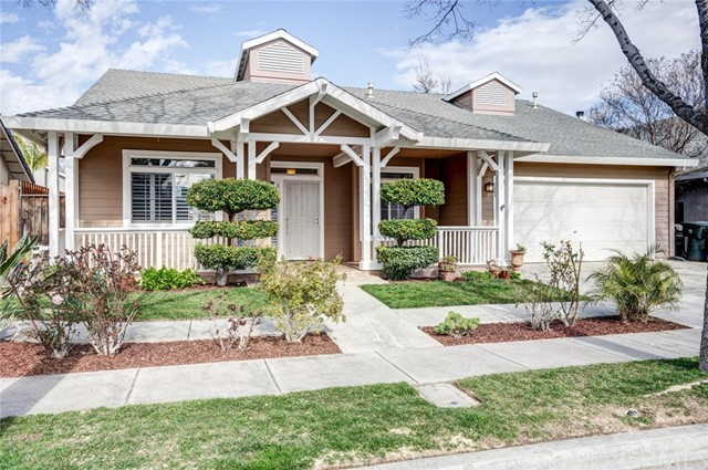 Detail Gallery Image 1 of 1 For 1864 De Anza Way, Los Banos,  CA 93635 - 4 Beds | 2 Baths